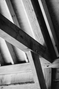 Black and White Wooden Beam Image